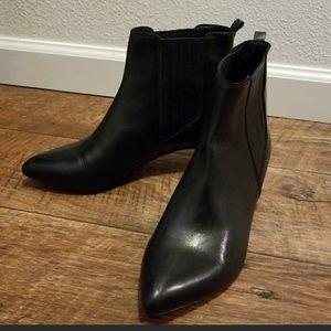 Beautiful Pour La Victoire black ankle boots